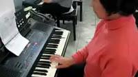 电子琴演奏经典的老歌