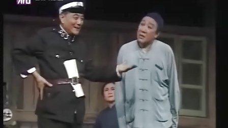 上海滑稽�蛟诰��^看